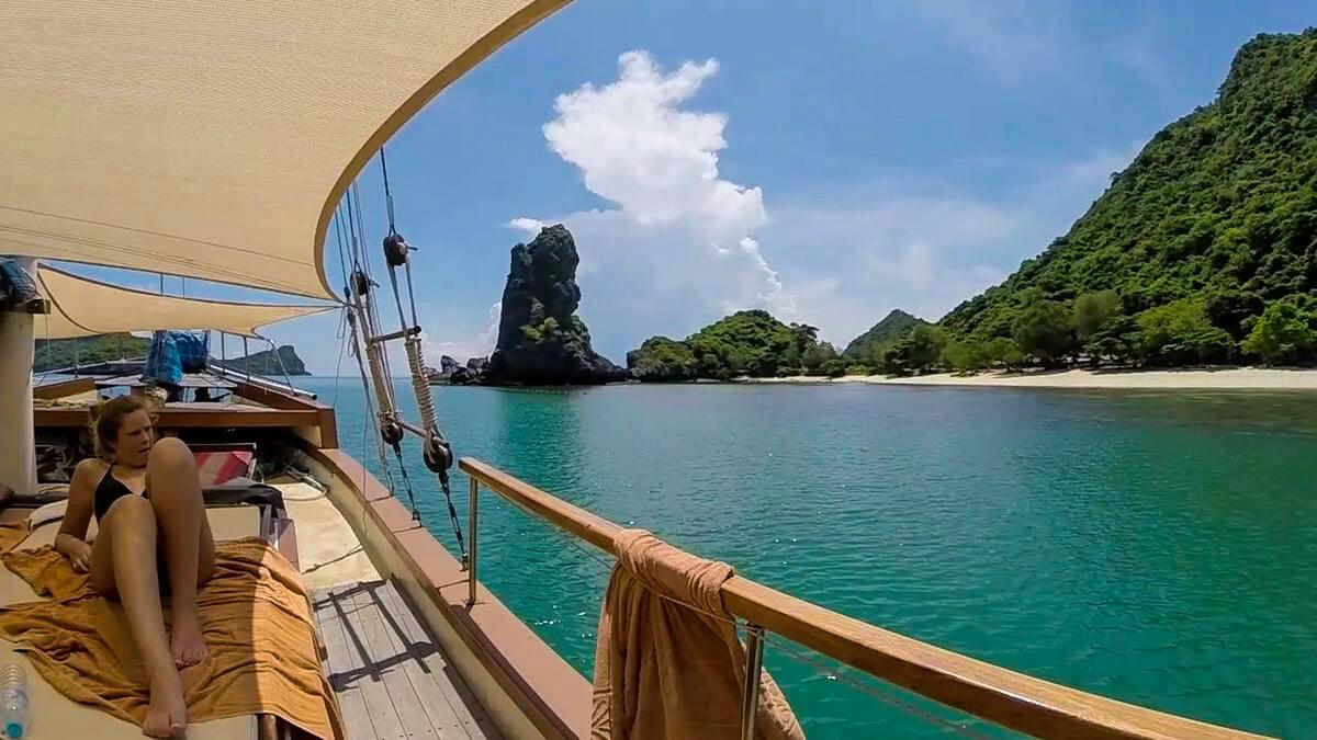 Private Charter Angthong Ko Sam Sao